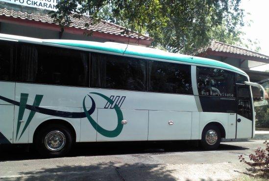 Shuttle Bus Lippo Cikarang - Blok M (AO Transport)
