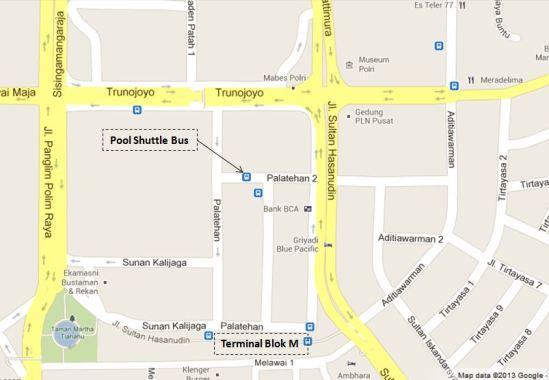 Pool shuttle bus Lippo Cikarang di Jl. Palatehan 2 (Blok M)