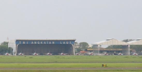 Deretan pesawat tempur di Bandara Juanda Surabaya, 3 Juni 2014