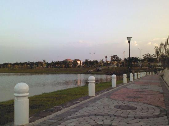Jogging track @ Danau Elysium