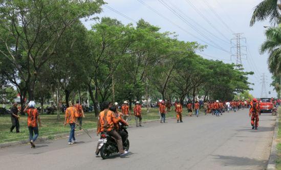 Demo buruh Cikarang 31 Oktober 2013 - Buruh vs Pemuda Pancasila