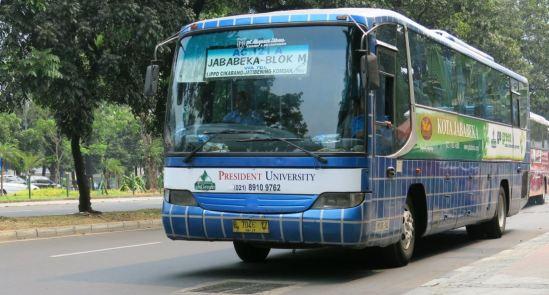 AC121A : Shuttle bus Jababeka - Blok M