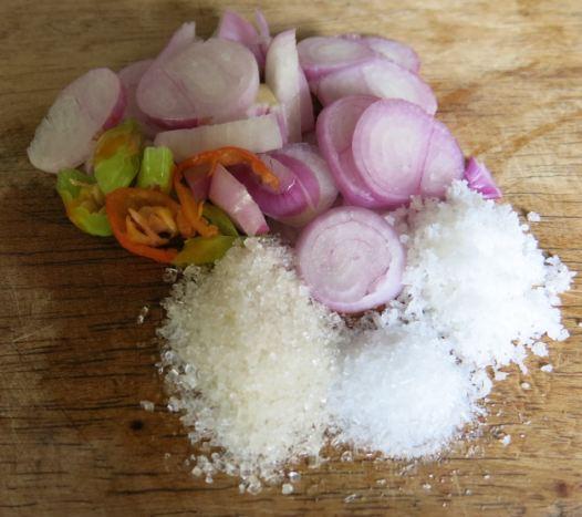 Bumbu masak tiga kristal - Sayur bayam-kacang panjang