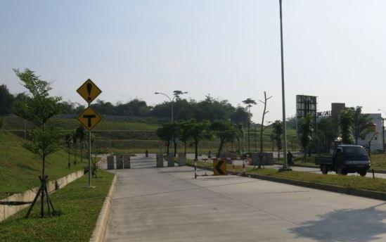 Roadblock di Jalan Mataram, Lippo Cikarang