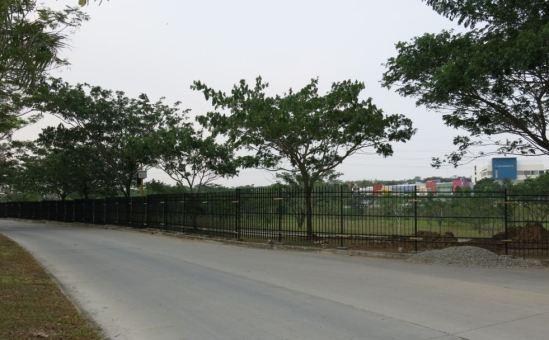 Pagar Taman Elysium
